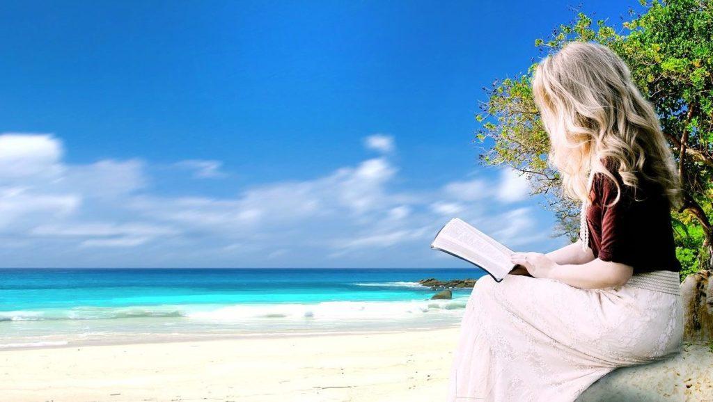 【必読】沖縄移住するのに読んでおきたいおすすめ本3選